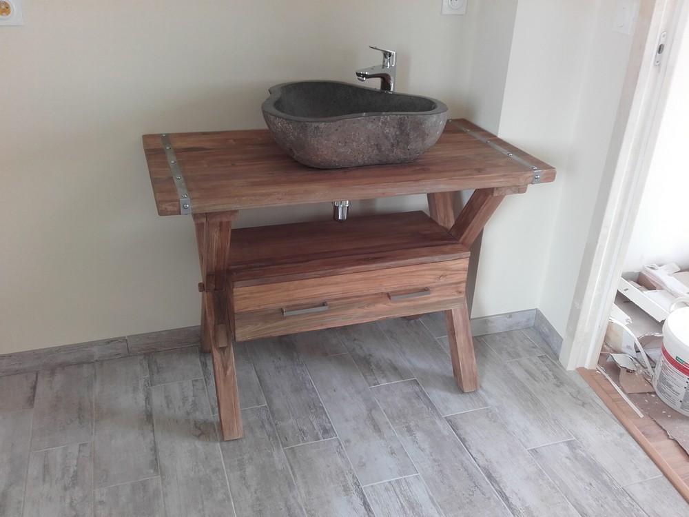 Un meuble de salle de bains original